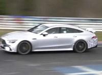 A Nürburgingen nyüstölte 800 lóerős, zöld rendszámos hibridjét a Mercedes