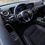 A Mercedes nyugdíjba küldi a kéziváltókat