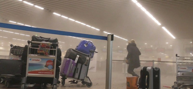 Azonosították a reptéren robbantó testvérpárt - percről percre