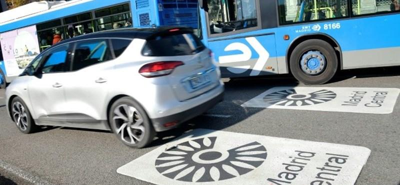 Egészségügyi szolgálatra ajánlják fel autóikat a nagy spanyol autókereskedők