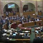 A Fidesz-KNDP-vel összefogott a Jobbik, eldőlt, hogyan adózunk 2016-ban