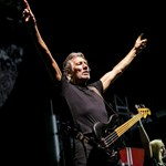 A világ populista vezetői Budapesten is megkapják a magukét a Pink Floyd gitárosától