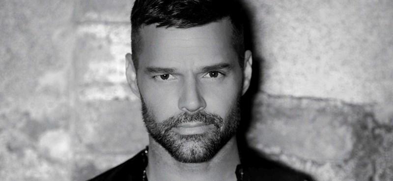 Jön Ricky Martin