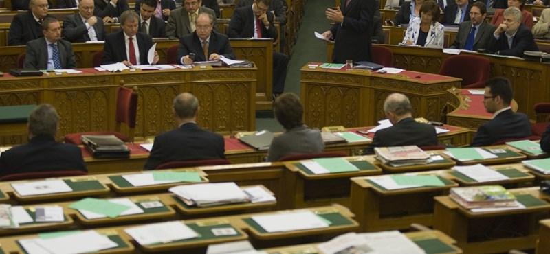 A negyedik alkotmánymódosításról vitázik egyet a Ház