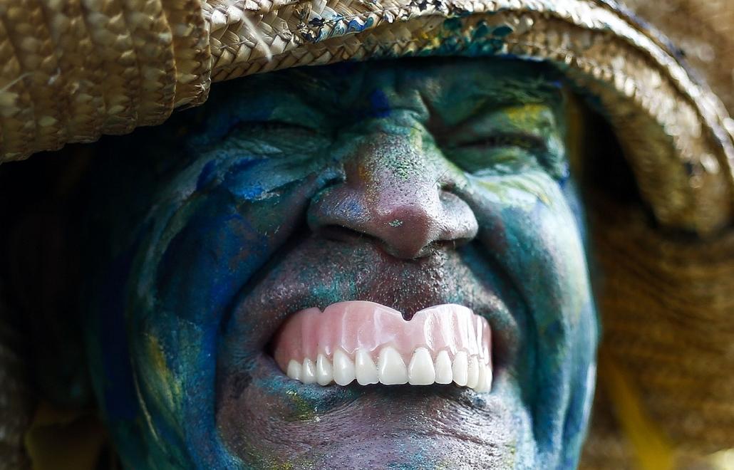 afp.14.12.31. - Sao Paulo, Brazília: résztvevő a kilencvenedik alkalommal megrendezett ''Sao Szilveszter'' elnevezésű tradícionális újévi futáson (15km, harmincezer résztvevő) - 7képei