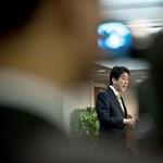 Japán korrupciós botrány – mentenék a kormányfőt és a nejét