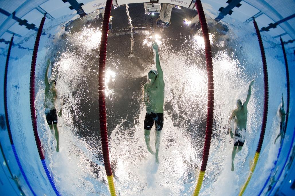 2012. augusztus 1. London: Michael Phelps úszik a férfi 200 méteres vegyes egyéni számában. - évsportképei