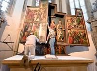 Dürer-festményt találhattak egy német templomban, elözönlötték a látogatók