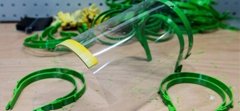 Lengyel egyetemisták 3D nyomtatóval készítenek védőfelszereléseket