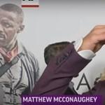 Matthew McConaughey a vörös szőnyegen értesült színésztársa haláláról – videó