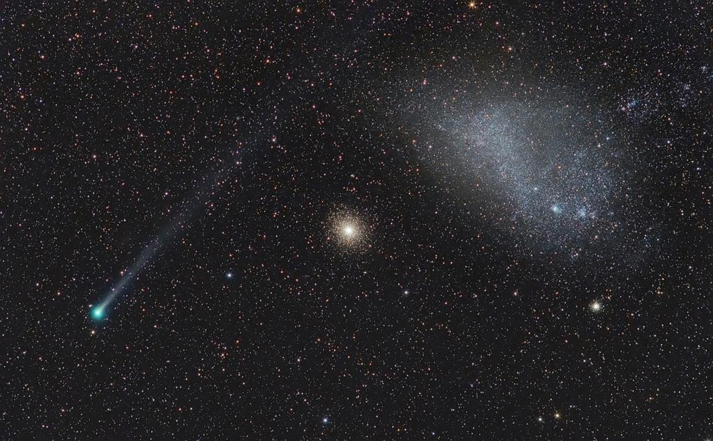 ''Our Solar System'' kategória: Cosmic Alignment: Comet Lemmon, GC 47 Tucanae and the SMC . - Brit Királyi Obszervatórium, Astronomy Photographer of the Year 2013.
