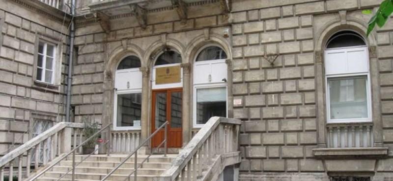 """Az SZFE-sek nem kaptak hivatalos tájékoztatást a """"költözésről"""", folytatódik a tanárok sztrájkja"""