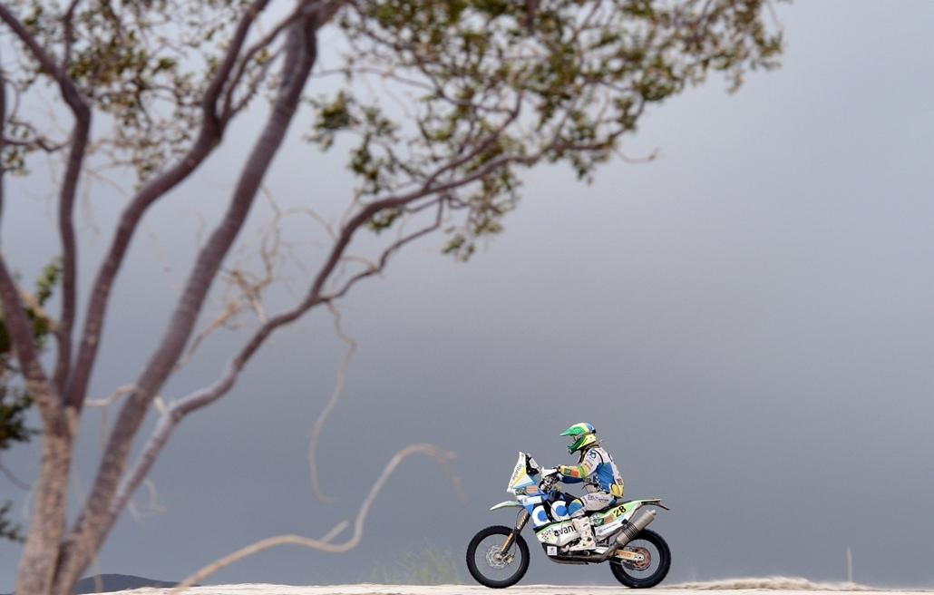 13.01.16. - La Rioja, Argentína: Jean Azevedo brazíliából érkezett a Dakar rally 11. szakaszára. -  Peru - Argentína - Chile között, január 5-20. - évképei, az év sportképei