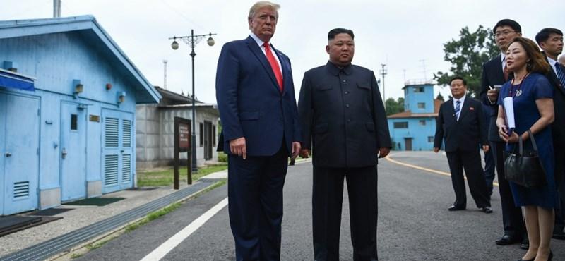 Találkozott egymással Donald Trump és Kim Dzsong Un