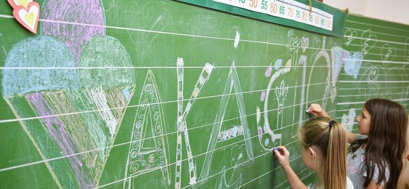 Milyen házit ad a szünidőre egy jó tanár? Valami ilyesmit