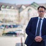 Figyelmeztet a magyar virológus: Mindenki hordjon maszkot