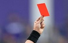 Piros lap járhat a focistáknak, ha szándékosan leköhögik az ellenfelet