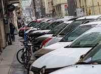 Infarktus miatt parkolt rossz helyen, megbírságolták, majd nem engedték el a büntetését