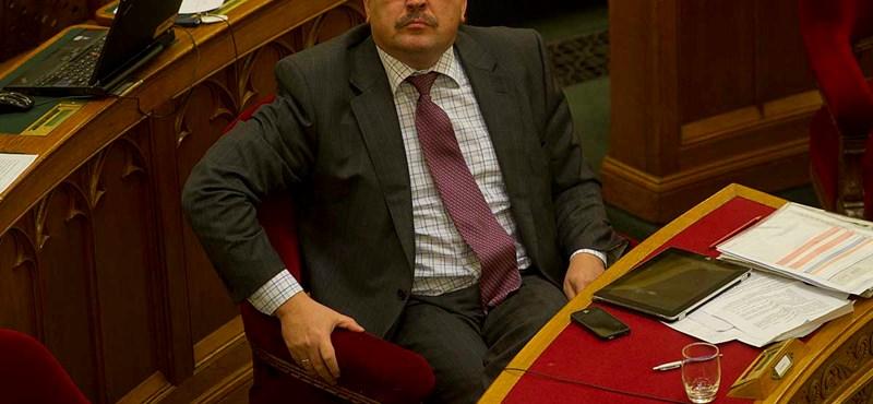 Levegőnek nézték Erdélyben a Fidesz-barát jelölteket