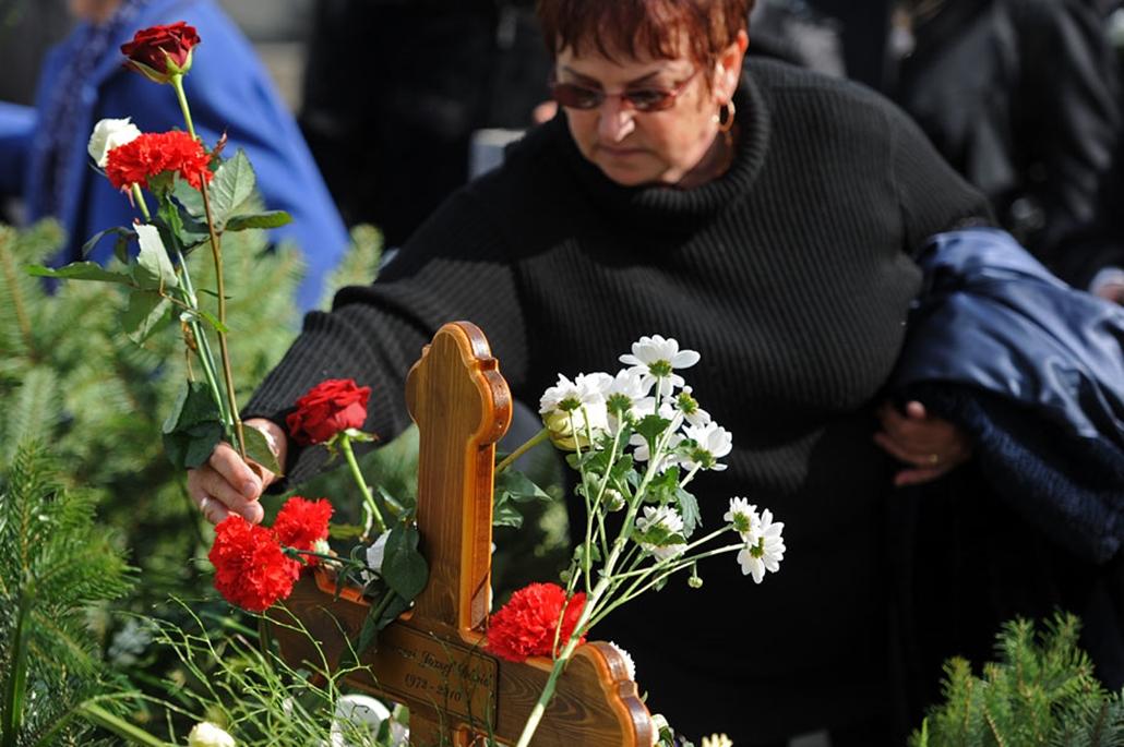 Daróczi Dávid temetése nagyítás