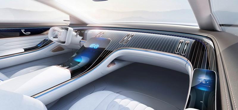 Hyperscreennek hívja óriási kijelzőjét a Mercedes
