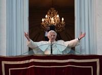 Pápalátogatás után gyakrabban húzunk óvszert és kevesebbet szexelünk