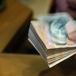 Háromszázezer forintos ösztöndíjat is kaphatnak az elsőévesek