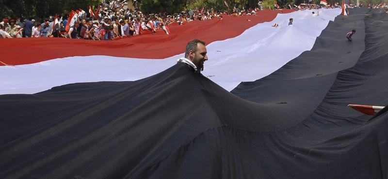 Engedélyezte a többpártrendszert a szíriai elnök