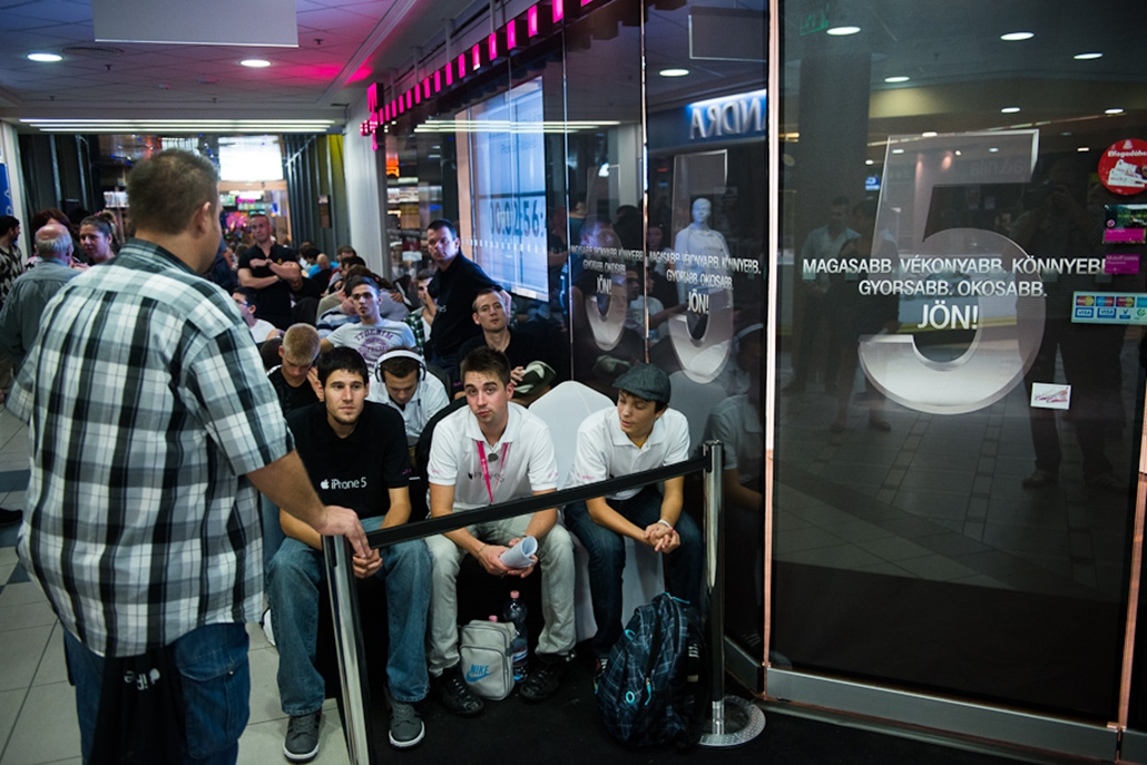 iPhone 5, Mammut bevásárlóközpont, bemutatás