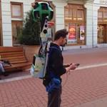 Fotó: Szegeden a Google Street View hátizsákos embere