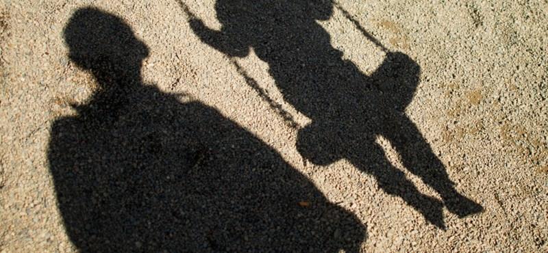 Kisfiúk szexuális zaklatásával vádolják a bicskei gyermekotthon igazgatóját