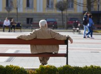 1,4 milliárdért kutatja a kormány, mi a helyzet a nyugdíjasokkal és a mit gondolunk a menekültekről