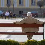Mennyi pluszpénzt kap a nyugdíjához novemberben? Kiszámoltuk