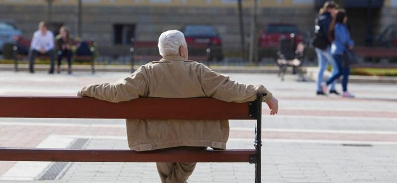 Tényleg nagyot nyerhet, aki egy hónappal elcsúsztatja a nyugdíjat?