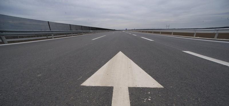 Átadták az autópályát, amit 1972-re kellett volna befejezni