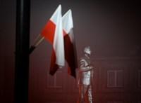 Orbán Viktor egykori barátja szobrot kapott Varsóban