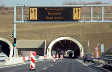 Kiderült, mennyit spórolhatott volna az állam, ha hitelből épít két autópályát