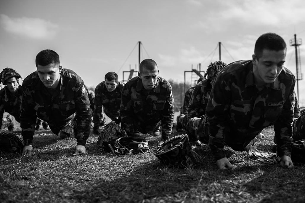 Honvédelem, katonai kikézés, gyorsreagálású katona egy napja