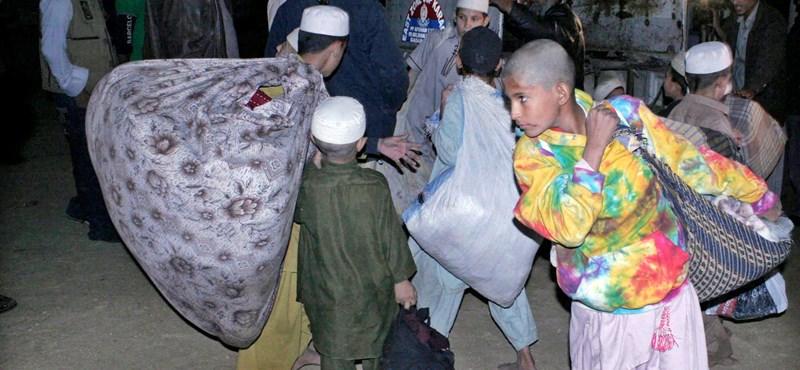 Diákokat kínoztak egy pakisztáni iskola föld alatti szobájában