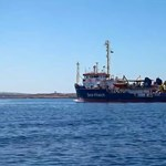 Menekültválság az olasz partoknál: letartóztatással fenyegetik a Sea-Watch legénységét