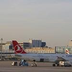 Megrepedt ablak miatt hajtott végre kényszerleszállást egy Airbus A321