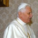 Túl szűk lett a Vatikán két pápa számára?