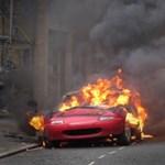 """Képek a londoni zavargásról: """"a saját gyermekeitől tart az ország"""""""