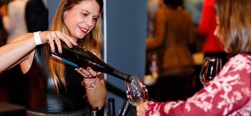 A legcsajosabb borkóstoló – egy igazi nőnapi ajándék