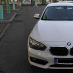 Nem vették be a röszkei rendőrök, hogy a sofőröké a BMW és a Jeep