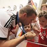Hivatalos: Podolskit az Internek kölcsönzi az Arsenal