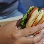 Felmérés: ritkán eszik házon kívül a magyar, akkor is inkább gyorskaját