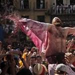 Fergeteges utcai fesztivál Pamplonában - Nagyítás-fotógaléria