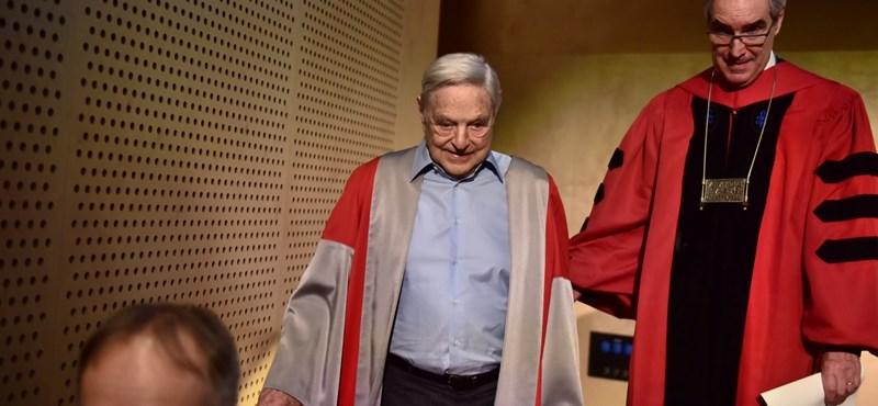A rektor átadja Soros üzenetét: soha nem hagyják el Budapestet
