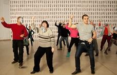 Minden idők tíz leghülyébb tánca, amire mindenki ropta, az is, aki ma már tagadja